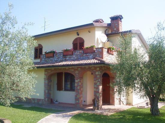 Villa in vendita a Castiglione del Lago, 4 locali, prezzo € 440.000 | CambioCasa.it