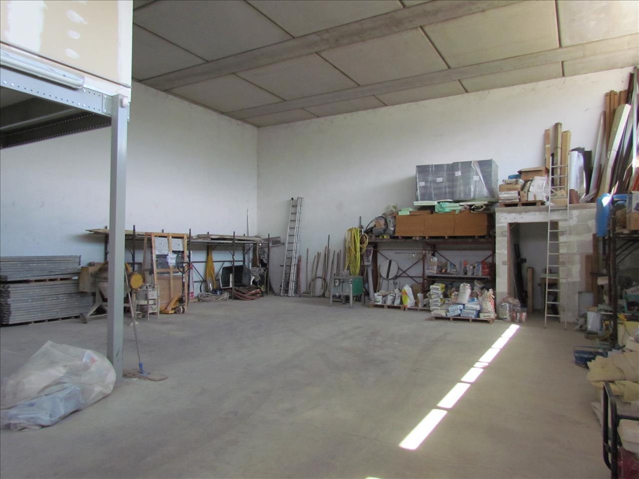 Negozio / Locale in vendita a Castiglione del Lago, 9999 locali, prezzo € 220.000   PortaleAgenzieImmobiliari.it