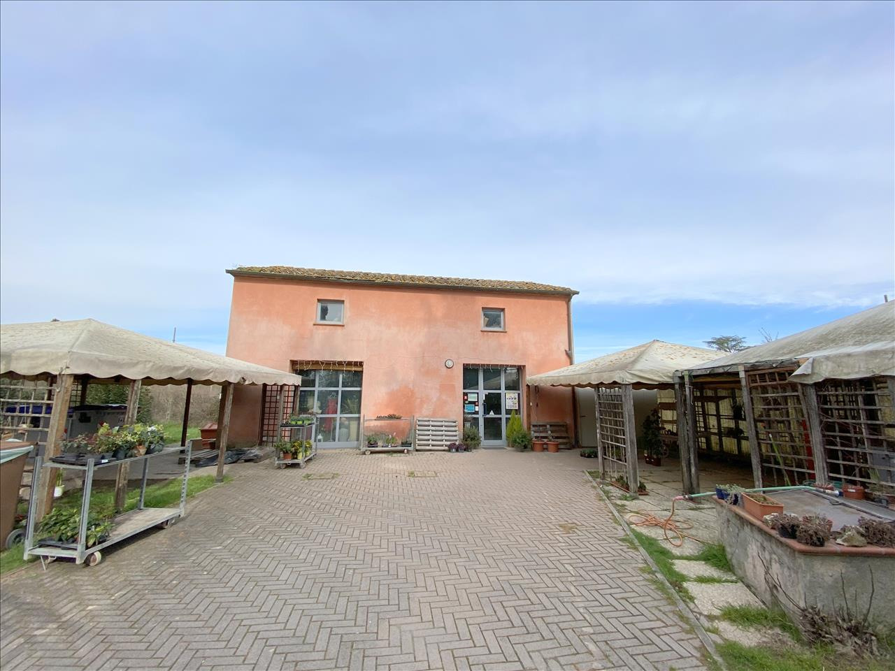 Negozio / Locale in vendita a Castiglione del Lago, 2 locali, Trattative riservate   PortaleAgenzieImmobiliari.it