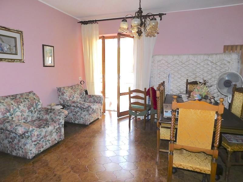 Appartamento in vendita a Castiglione del Lago, 3 locali, prezzo € 79.000   CambioCasa.it