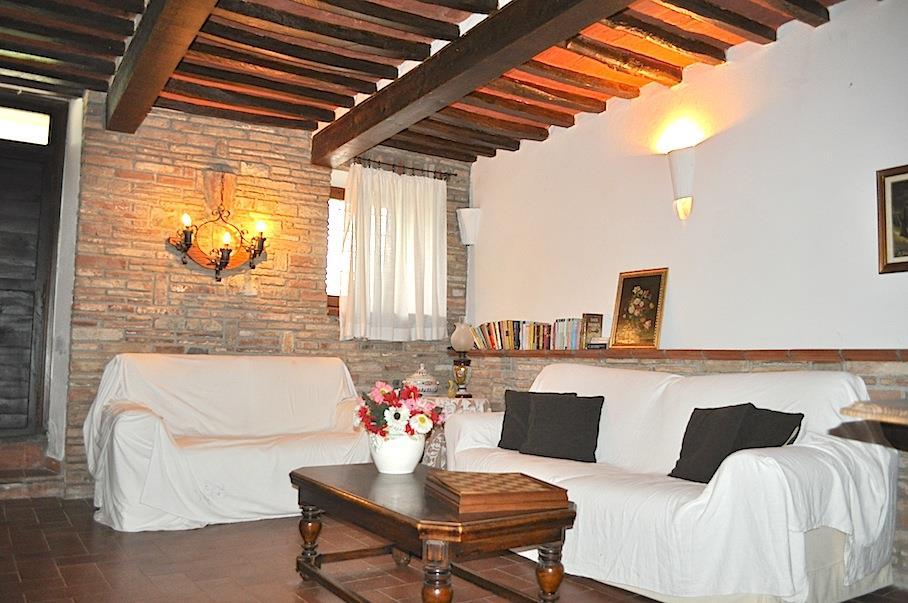 Rustico / Casale in vendita a Castiglione del Lago, 5 locali, prezzo € 235.000   CambioCasa.it