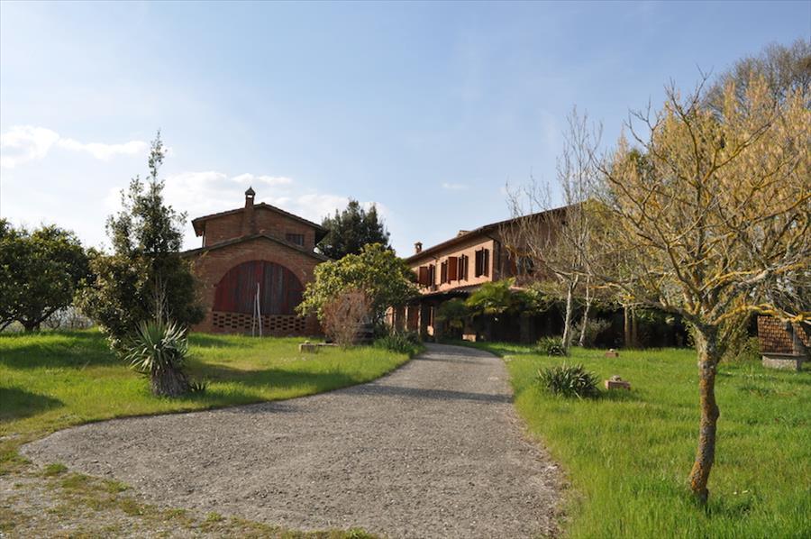 Rustico / Casale in vendita a Castiglione del Lago, 11 locali, prezzo € 950.000 | Cambiocasa.it