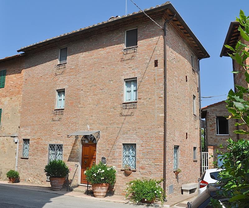 Villa Bifamiliare in Vendita a Castiglione del Lago