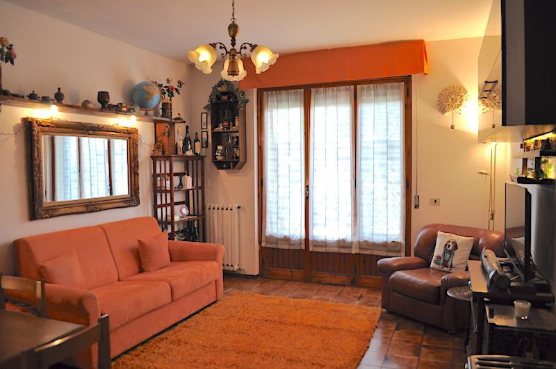 Appartamento in vendita a Chiusi, 3 locali, prezzo € 95.000   CambioCasa.it