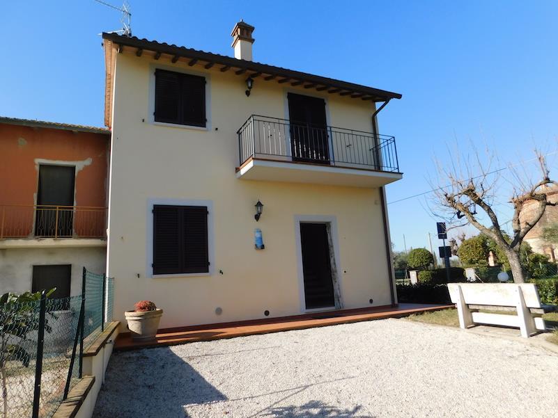 Villa bifamiliare in Vendita Castiglione del Lago