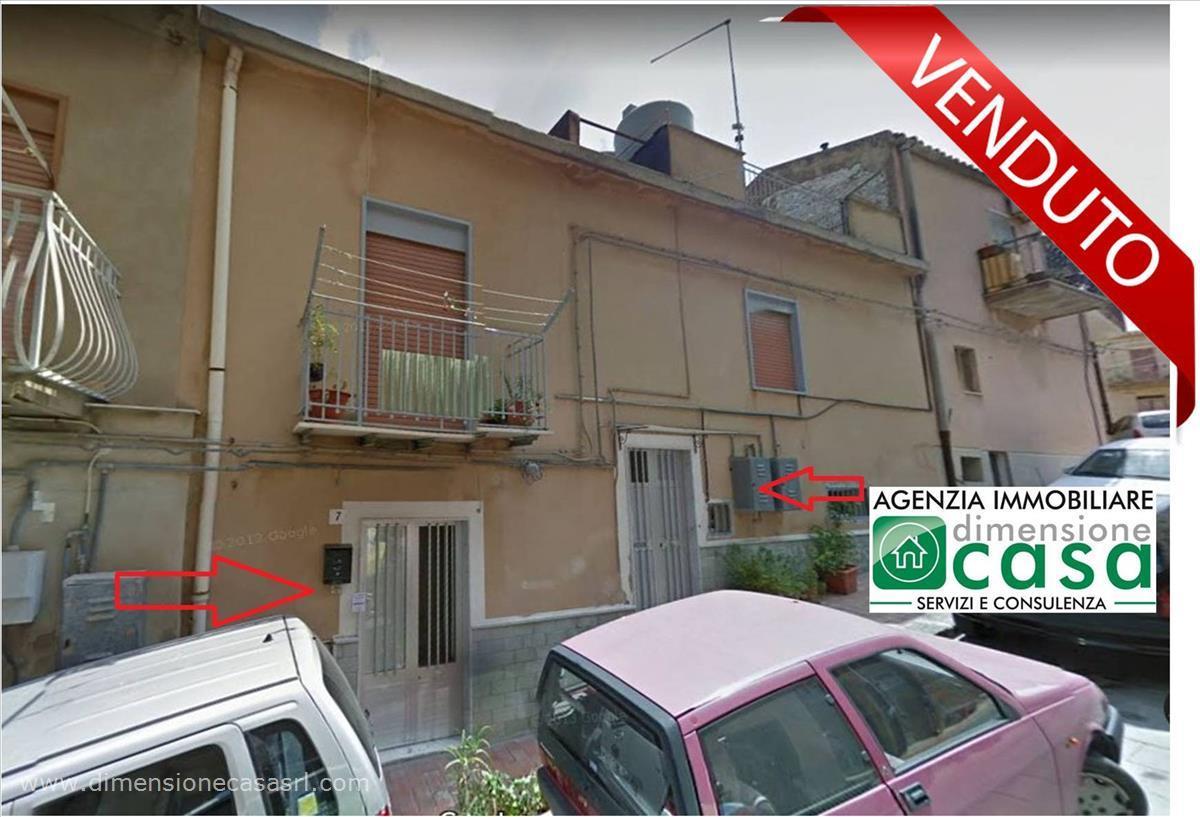 Soluzione Indipendente in vendita a San Cataldo, 6 locali, prezzo € 37.000   PortaleAgenzieImmobiliari.it