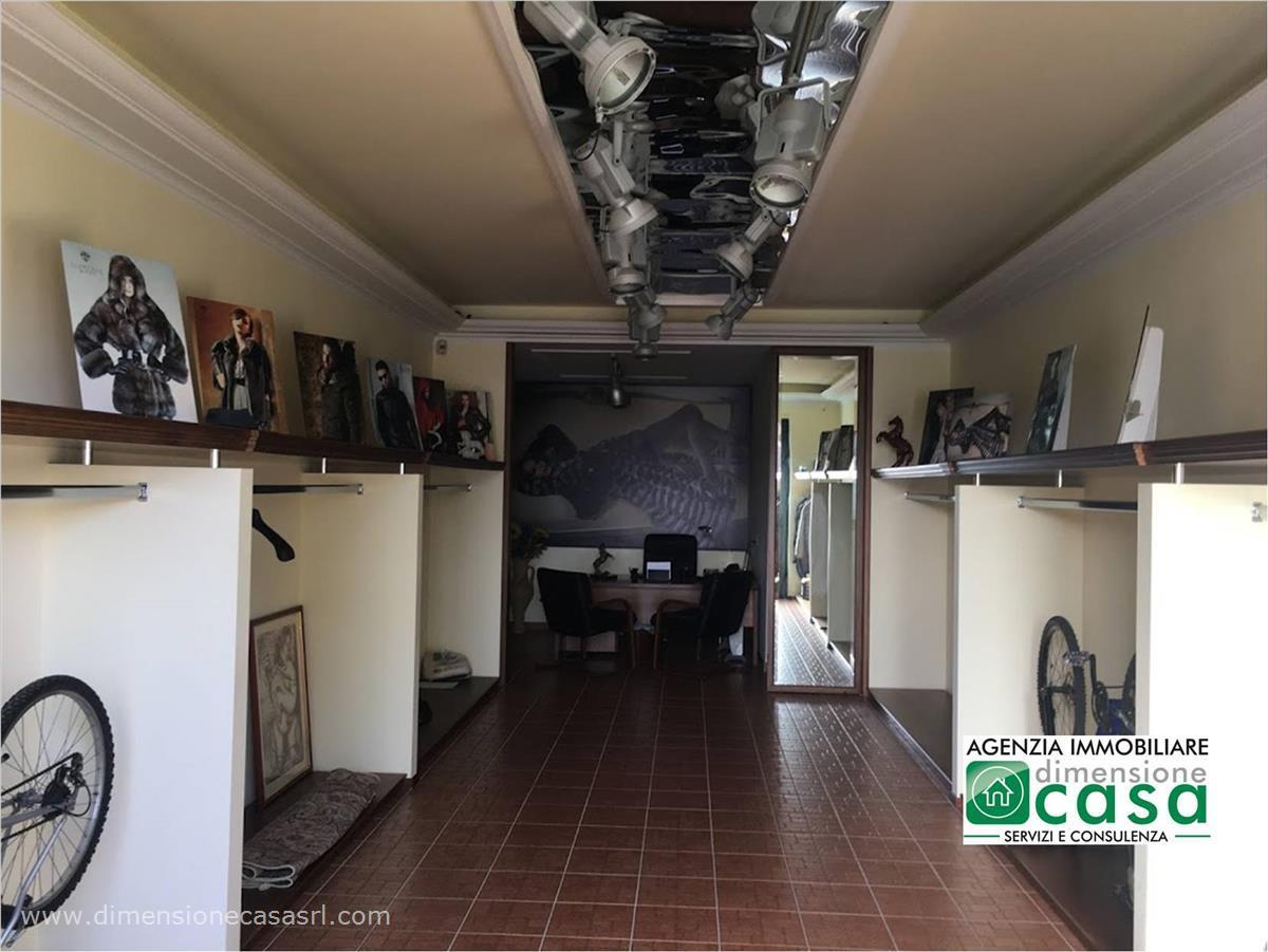 Magazzino in affitto a San Cataldo, 9999 locali, prezzo € 250 | CambioCasa.it