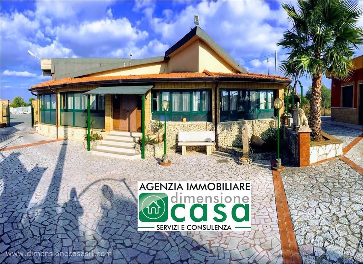Villa in vendita a San Cataldo, 5 locali, prezzo € 175.000   CambioCasa.it
