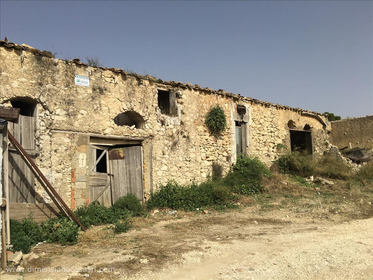 Azienda Agricola in vendita a Caltanissetta, 9999 locali, prezzo € 390.000 | CambioCasa.it