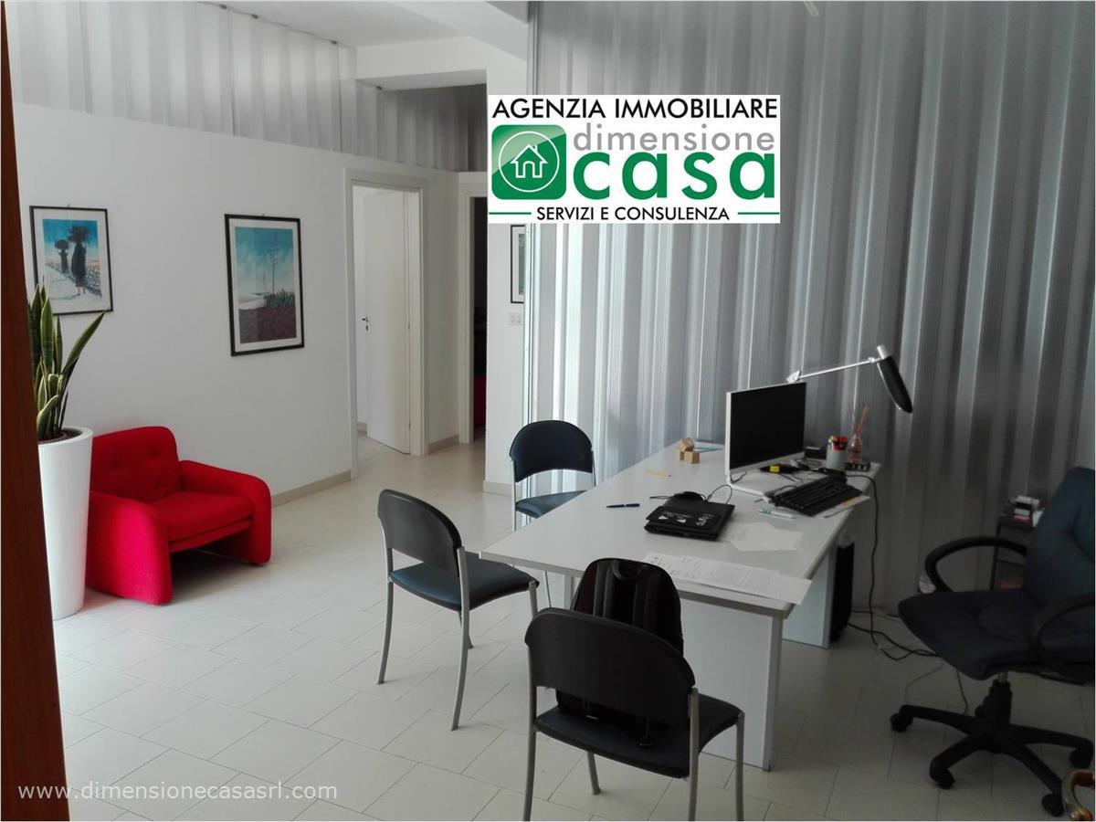Magazzino in vendita a San Cataldo, 2 locali, prezzo € 60.000 | CambioCasa.it