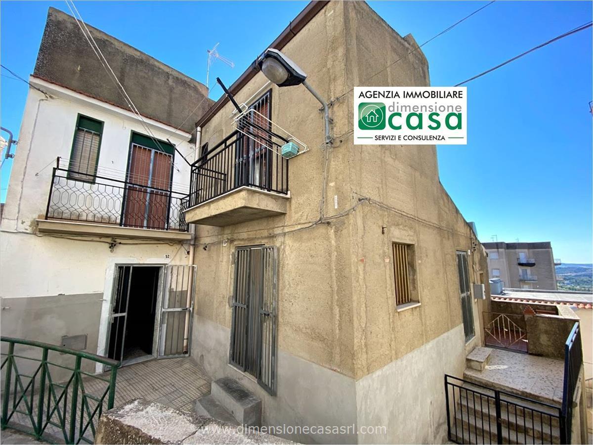 Soluzione Indipendente in vendita a San Cataldo, 2 locali, prezzo € 29.000   CambioCasa.it