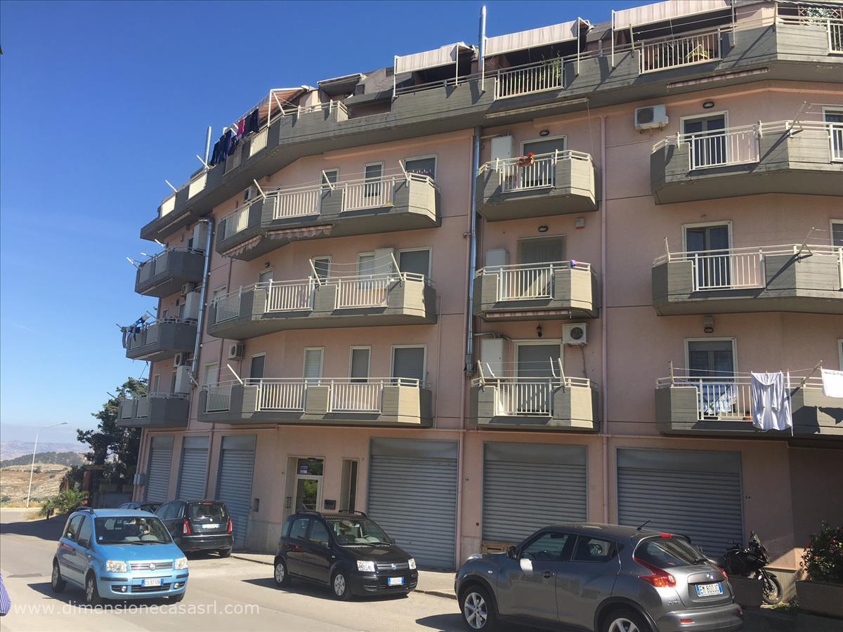 Appartamento in vendita a San Cataldo, 2 locali, prezzo € 105.000 | CambioCasa.it