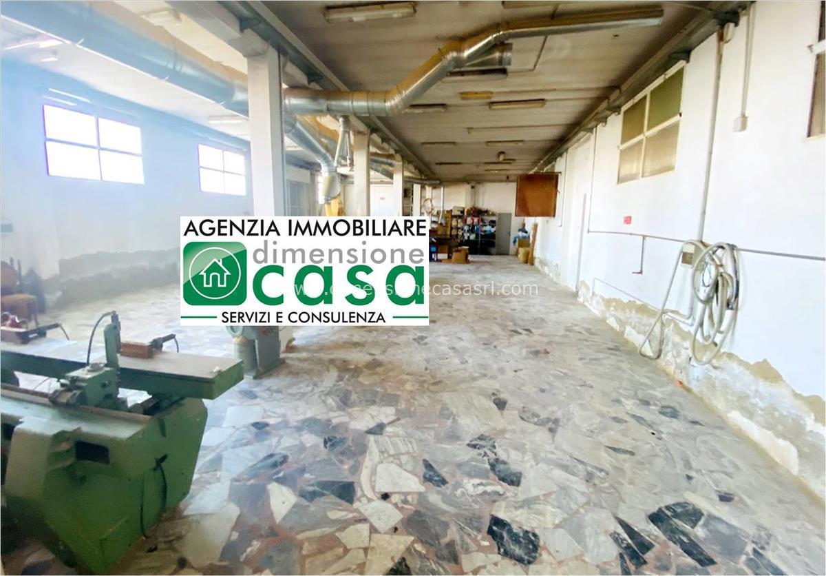 Negozio / Locale in affitto a San Cataldo, 2 locali, prezzo € 1.200 | CambioCasa.it