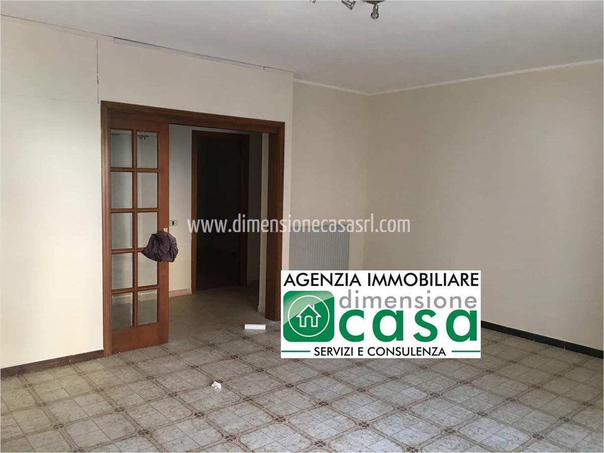 Appartamento in affitto a San Cataldo, 5 locali, prezzo € 320 | CambioCasa.it