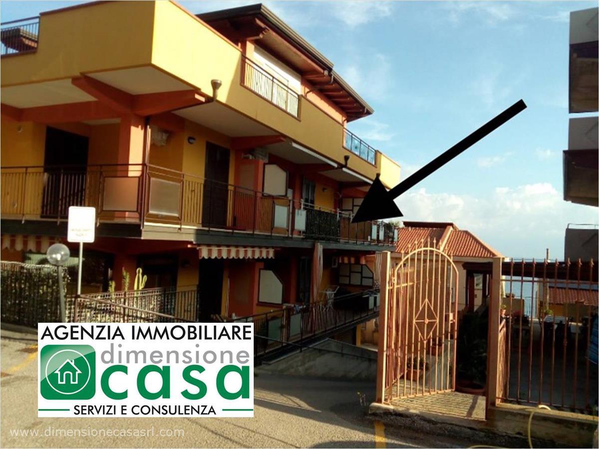 Appartamento in vendita a Caronia, 2 locali, prezzo € 56.000   CambioCasa.it