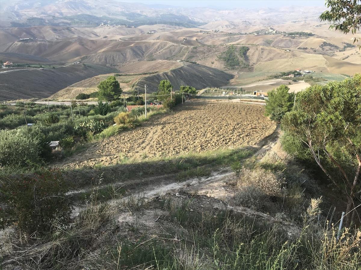 Terreno Agricolo in vendita a Caltanissetta, 2 locali, Trattative riservate | CambioCasa.it